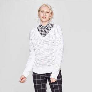 White open knit long sleeve v neck pullover